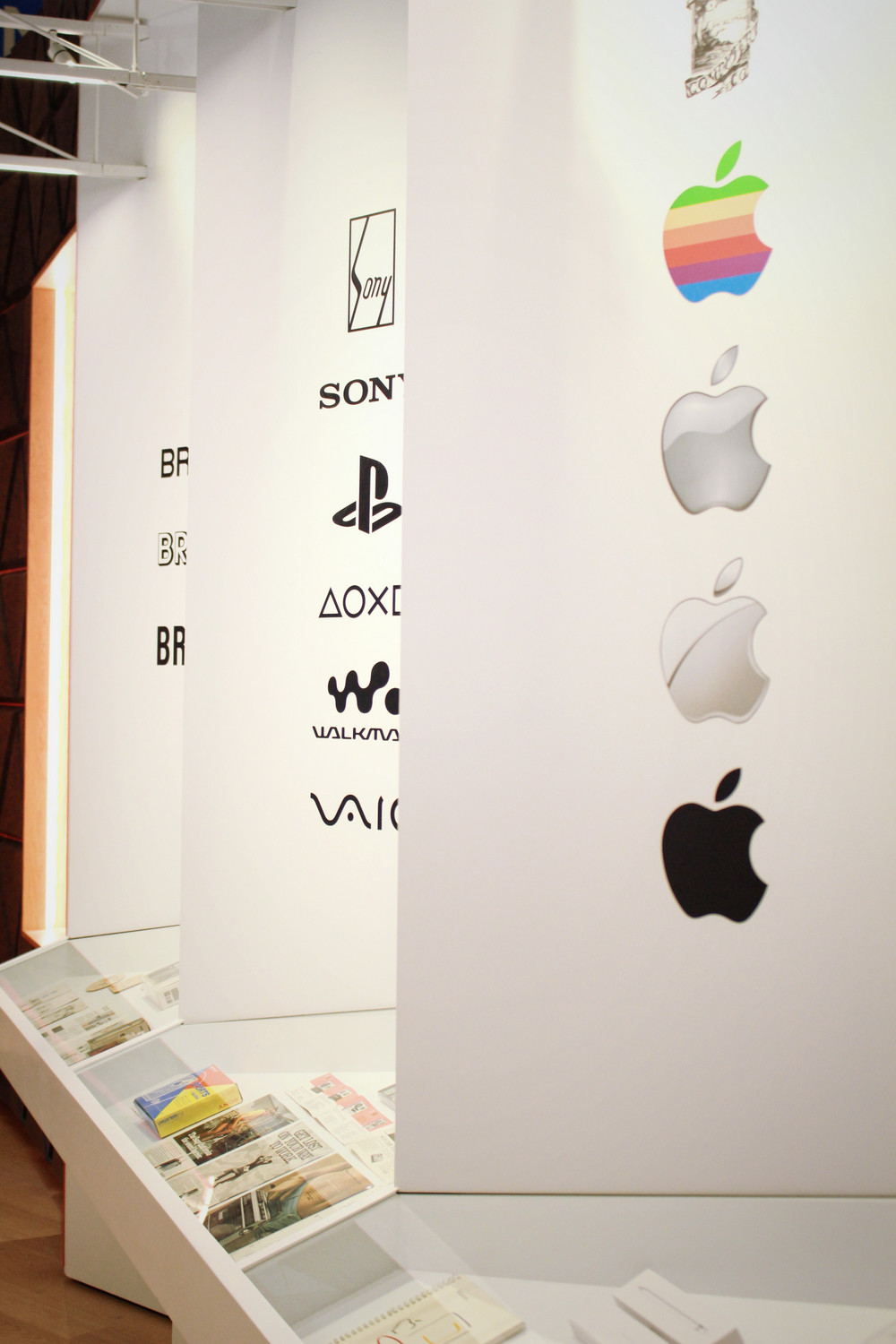 Ewolucja logotypow