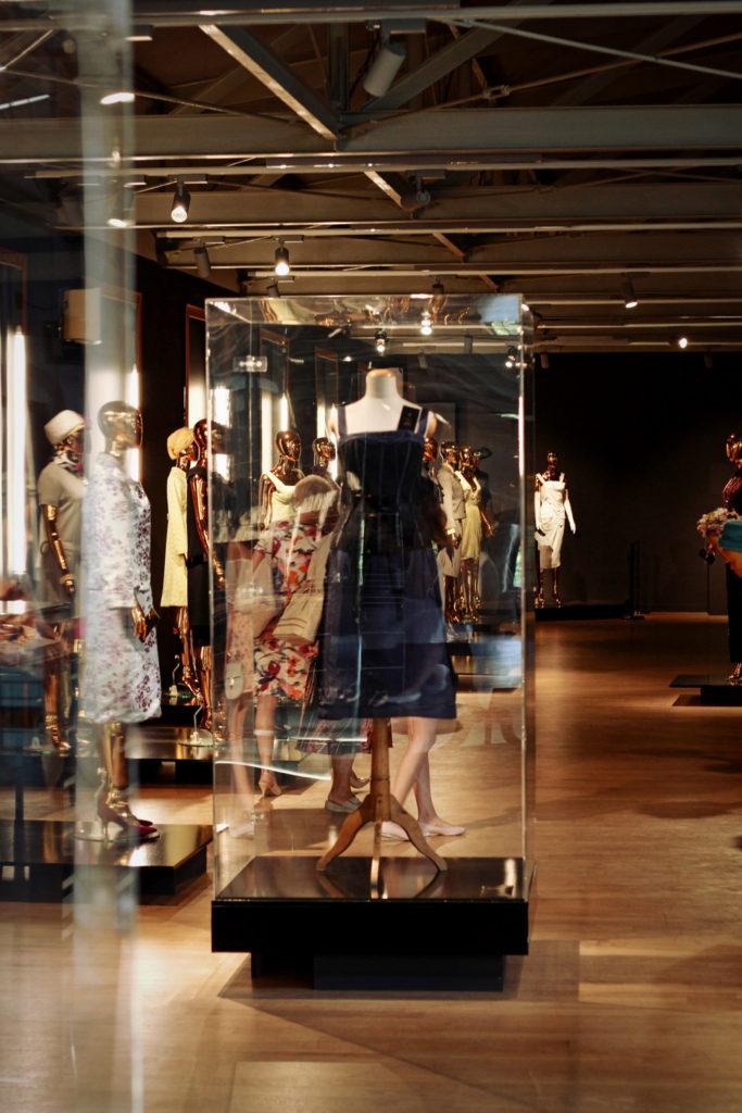 Stroje Christiana Diora