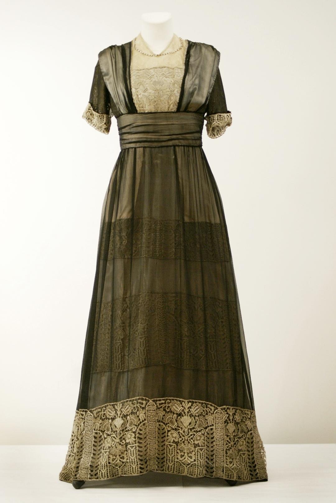 Kolekcjoner mody - suknie francuskie